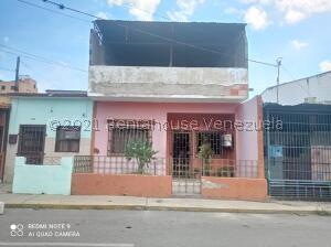 Casa En Ventaen Barquisimeto, Centro, Venezuela, VE RAH: 21-24623