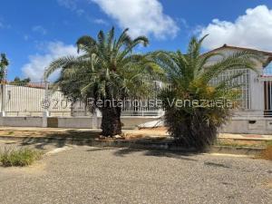 Casa En Ventaen Punto Fijo, Judibana, Venezuela, VE RAH: 21-24628