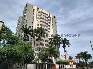 Apartamento En Alquileren Barquisimeto, Club Hipico Las Trinitarias, Venezuela, VE RAH: 21-24665