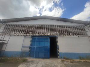 Galpon - Deposito En Ventaen Cagua, Carretera Nacional, Venezuela, VE RAH: 21-24670