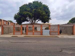 Casa En Ventaen Maracaibo, Cantaclaro, Venezuela, VE RAH: 21-24663