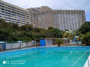 Apartamento En Ventaen Parroquia Caraballeda, Los Corales, Venezuela, VE RAH: 21-24682