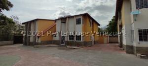 Townhouse En Ventaen Maracay, El Limon, Venezuela, VE RAH: 21-24805