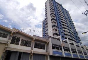 Apartamento En Ventaen Maracay, Zona Centro, Venezuela, VE RAH: 21-24697