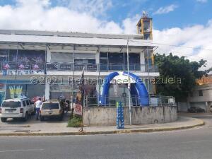 Local Comercial En Ventaen Parroquia Caraballeda, Los Corales, Venezuela, VE RAH: 21-24705