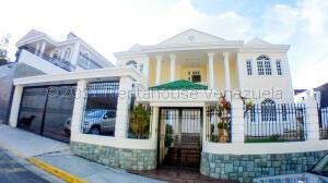 Casa En Ventaen Caracas, Los Naranjos Del Cafetal, Venezuela, VE RAH: 21-24726