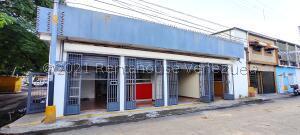 Local Comercial En Ventaen Maracay, San Agustin, Venezuela, VE RAH: 21-24735