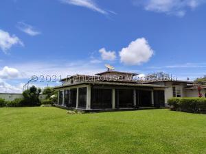 Casa En Ventaen Caracas, La Lagunita Country Club, Venezuela, VE RAH: 21-24739