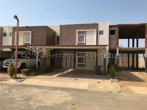 Townhouse En Ventaen Punto Fijo, El Cardon, Venezuela, VE RAH: 21-24750