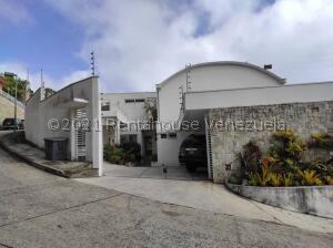 Casa En Ventaen Caracas, Alto Hatillo, Venezuela, VE RAH: 21-24788