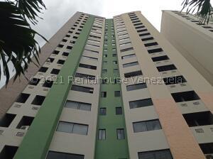 Apartamento En Ventaen Valencia, Valles De Camoruco, Venezuela, VE RAH: 21-24786