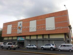 Local Comercial En Ventaen Maracay, Avenida Bolivar, Venezuela, VE RAH: 21-24835