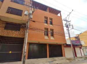 Apartamento En Ventaen Maracay, Girardot, Venezuela, VE RAH: 21-24841