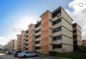 Apartamento En Ventaen Guarenas, Camino Real, Venezuela, VE RAH: 21-24865