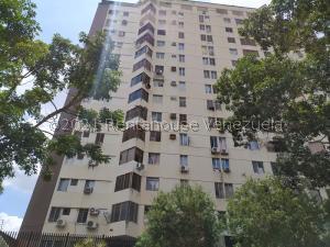 Apartamento En Ventaen Valencia, El Bosque, Venezuela, VE RAH: 21-24906