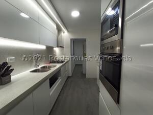 Apartamento En Ventaen San Antonio De Los Altos, La Rosaleda, Venezuela, VE RAH: 21-24903