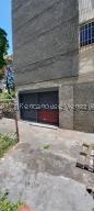 Local Comercial En Ventaen Caracas, El Valle, Venezuela, VE RAH: 21-25118
