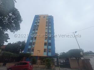 Apartamento En Ventaen Cabudare, La Mata, Venezuela, VE RAH: 21-24973