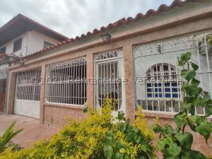 Casa En Ventaen Turmero, Parque Residencial La Floresta, Venezuela, VE RAH: 21-24958