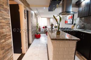 Apartamento En Ventaen Caracas, El Encantado, Venezuela, VE RAH: 21-24966