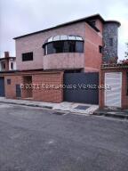 Casa En Ventaen San Antonio De Los Altos, Parque El Retiro, Venezuela, VE RAH: 21-25055