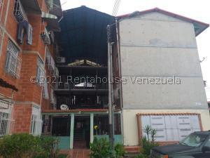 Apartamento En Ventaen Maracay, Madre Maria, Venezuela, VE RAH: 21-24995