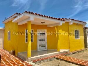 Casa En Ventaen Punto Fijo, Dona Emilia, Venezuela, VE RAH: 21-24996