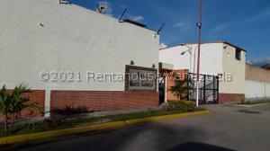 Townhouse En Ventaen Municipio San Diego, Monte Carmelo, Venezuela, VE RAH: 21-25024