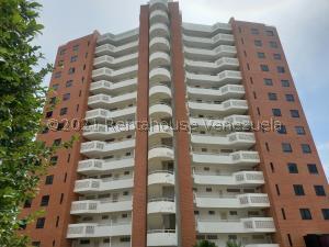 Apartamento En Ventaen Parroquia Caraballeda, La Llanada, Venezuela, VE RAH: 21-25044