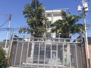 Edificio En Ventaen San Juan De Los Morros, Centro San Juan, Venezuela, VE RAH: 21-25113