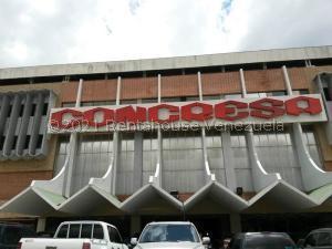 Local Comercial En Ventaen Caracas, Prados Del Este, Venezuela, VE RAH: 21-25446