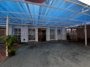 Townhouse En Ventaen Puerto La Cruz, Puerto La Cruz, Venezuela, VE RAH: 21-25160