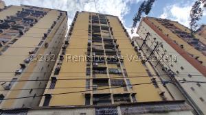 Apartamento En Ventaen Maracay, Urbanizacion El Centro, Venezuela, VE RAH: 21-25164