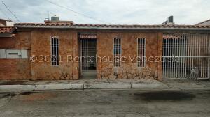 Casa En Ventaen Guatire, El Castillejo, Venezuela, VE RAH: 21-25968