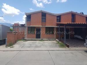 Townhouse En Ventaen Guarenas, Nueva Casarapa, Venezuela, VE RAH: 21-25217