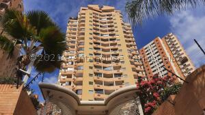 Apartamento En Ventaen Valencia, Las Chimeneas, Venezuela, VE RAH: 21-25427