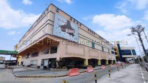 Local Comercial En Ventaen Maracay, Las Delicias, Venezuela, VE RAH: 21-25296