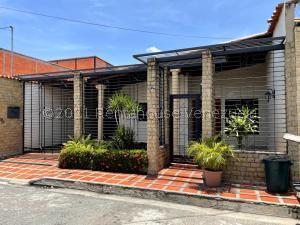 Casa En Ventaen Maracay, Las Aves, Venezuela, VE RAH: 21-25312
