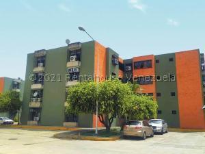 Apartamento En Ventaen Maracay, Narayola Uno, Venezuela, VE RAH: 21-25314