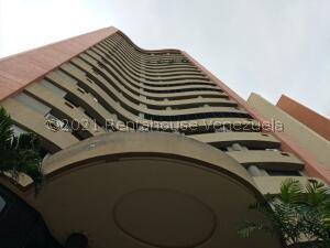 Apartamento En Ventaen Valencia, Las Chimeneas, Venezuela, VE RAH: 21-25529