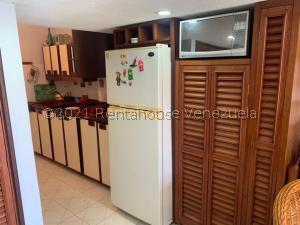 Apartamento En Alquileren Higuerote, Agua Sal, Venezuela, VE RAH: 21-25341