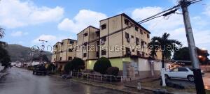 Apartamento En Ventaen Turmero, Villas Del Carmen, Venezuela, VE RAH: 21-25360