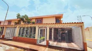 Townhouse En Ventaen Maracay, Los Girasoles, Venezuela, VE RAH: 21-25373