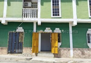 Local Comercial En Alquileren Cabudare, Parroquia Cabudare, Venezuela, VE RAH: 21-25391