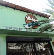 Local Comercial En Ventaen Margarita, Juangriego, Venezuela, VE RAH: 21-7527