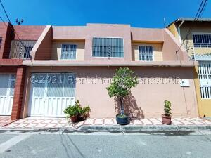 Casa En Ventaen Maracay, El Limon, Venezuela, VE RAH: 21-25388