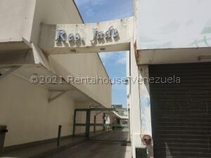 Apartamento En Ventaen Maracay, Zona Centro, Venezuela, VE RAH: 21-25452