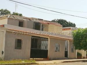 Casa En Ventaen Maracaibo, Lago Azul, Venezuela, VE RAH: 21-25429