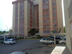 Apartamento En Ventaen Maracaibo, Circunvalacion Dos, Venezuela, VE RAH: 21-25462