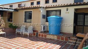 Casa En Alquileren Cabudare, Parroquia Cabudare, Venezuela, VE RAH: 21-25498